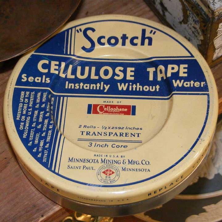 Lata de cinta Scotch 3M.