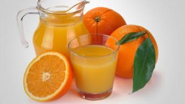 Jugo de naranjas frescas exprimidas: calentamiento global versus enfriamiento corporal.