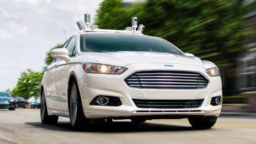 Ford Fusion adaptado como vehículo autodirigido para Uber.