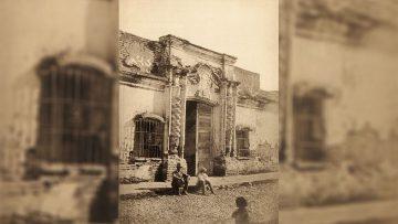 La Casa de doña Francisca Bazán de Laguna en 1869, antes de la demolición.