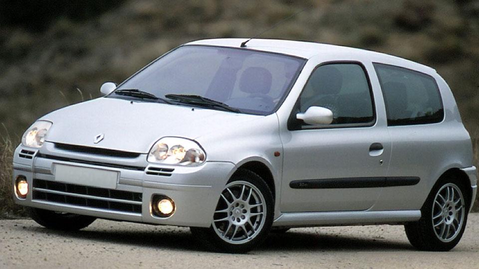 Renault Clio 2: Grande por dentro.
