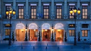 Hôtel Ritz, París, Francia. Fachada diseñada por Jules Hardouin Mansart.