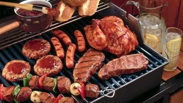 Carne a la parrilla, tóxicos en abundancia de las dietas antidietas.