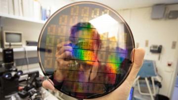 Grafeno y tecnología de punta: chips desarrollados por IBM.
