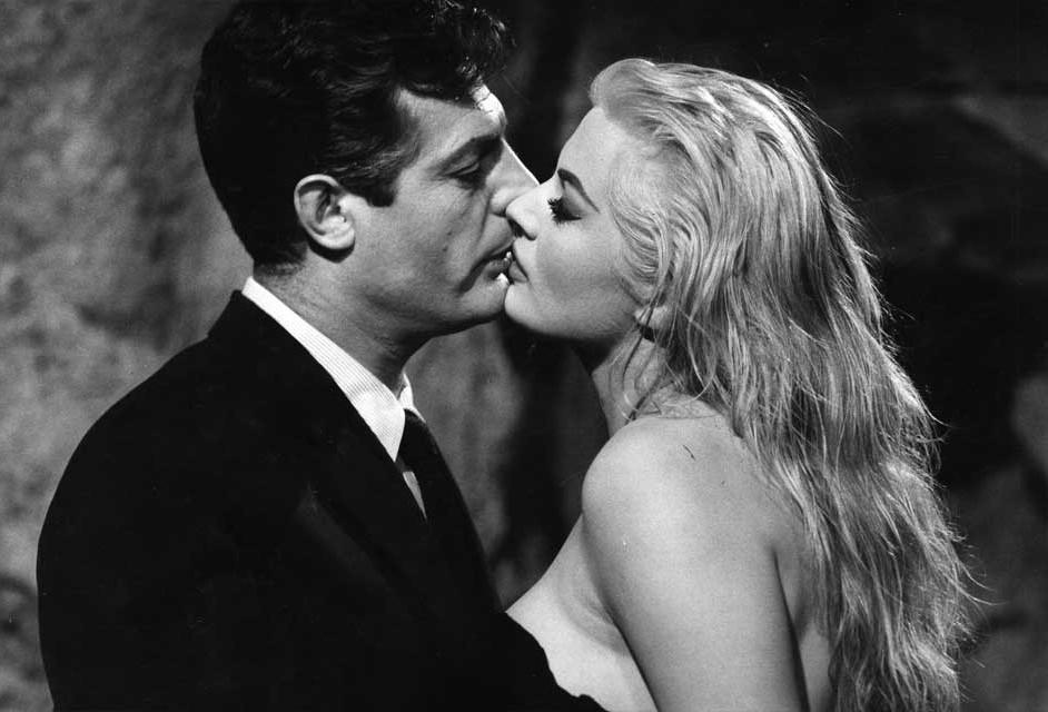 El escritor cede a la sensualidad arrobadora de la actriz, pero…