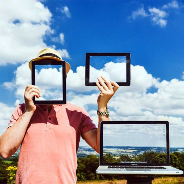 Tarjetas digitales: ¿El fin del cara a cara?