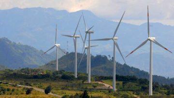 Energía renovable en América Latina: generadores eólicos en Honduras.