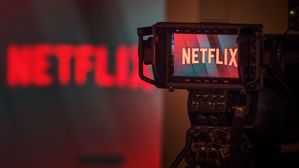 Netflix: demoliendo teles y dinosaurios de la Academia.