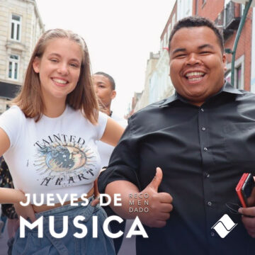 """Jueves de Música 18/03/2021: Allie Sherlock y Fabio Rodrigues cantan """"Billie Jean""""."""