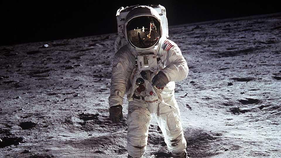 Día del Amigo 2021: Buzz Aldrin sobre la Luna, fotografiado por Neil Armstrong.